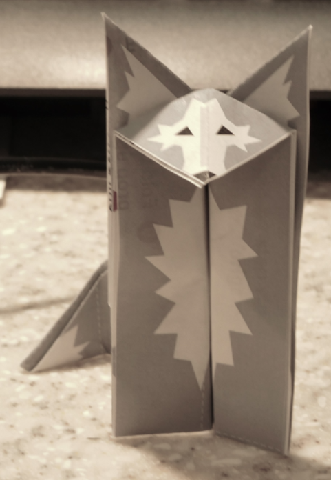 origami wolf with printed details