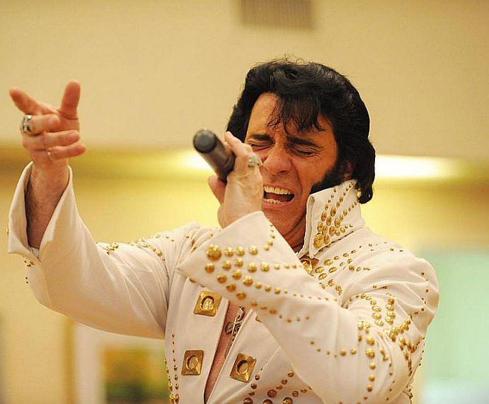 Elvis Tribute Robert Black