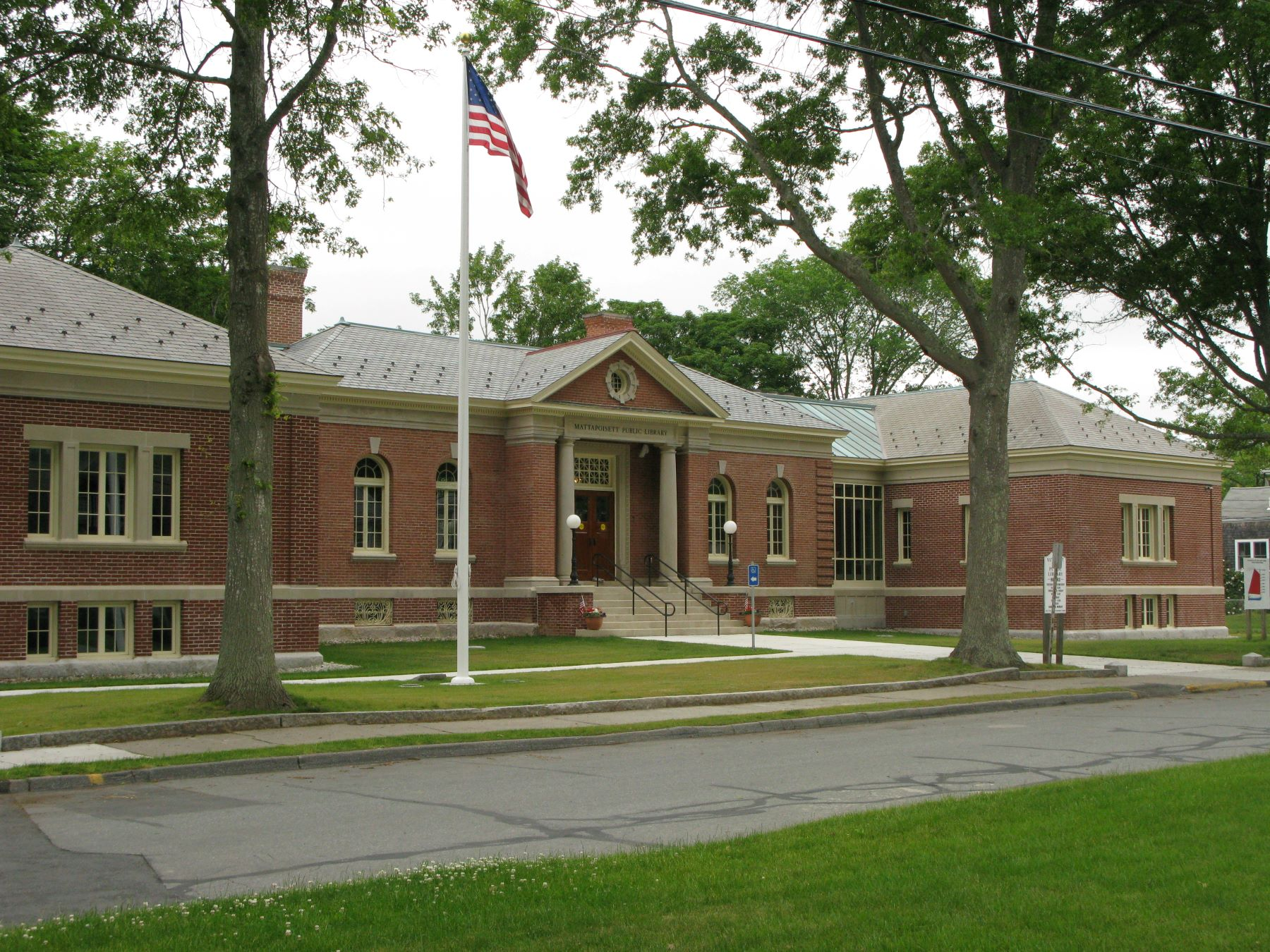 Photo of the Mattapoisett Free Public Library
