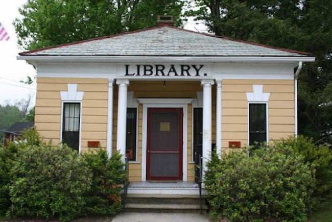 Contemporary photograph of the front of the Haydenville Library