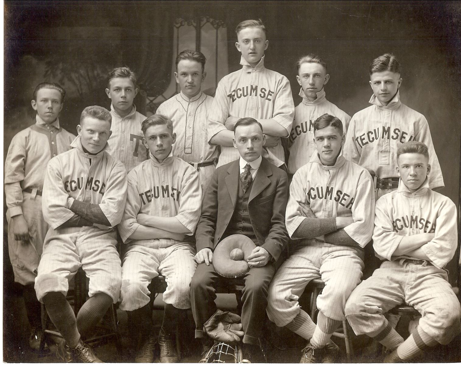 An old photograph of baseball players